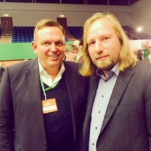 Von links nach rechts: Georg Stecker, Sprecher des Dachverbandes Die Deutsche Automatenwirtschaft e.V. und Anton Hofreiter, Fraktionsvorsitzender Bündnis 90/ Die Grünen.