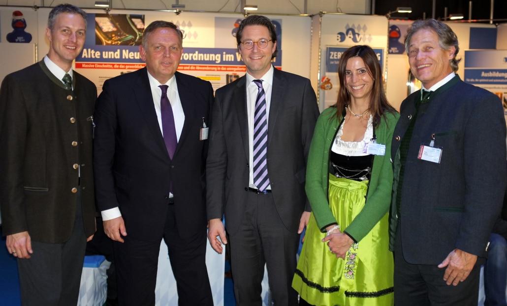 Von links nach rechts: Christian Szegedi (BAV), Georg Stecker (DAW), Andreas Scheuer (Generalsekretär CSU), Petra Höcketstaller (BAV), Andy Meindl (BAV)
